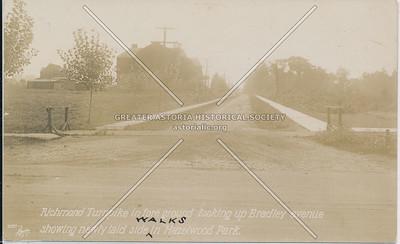 Richmond Turnpike (Victory Blvd) at Bradley Avenue, Westerleigh
